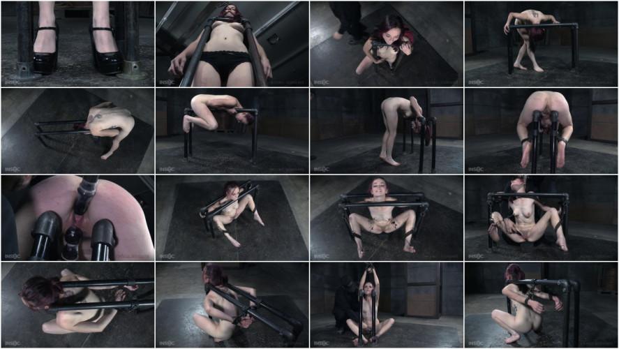 BDSM Ivy Addams-Pit Pull