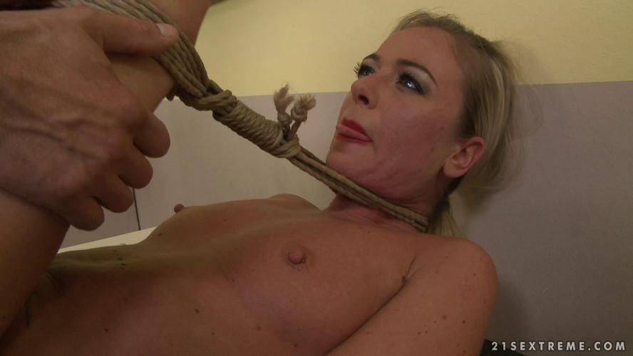 BDSM Dorina Gold DG