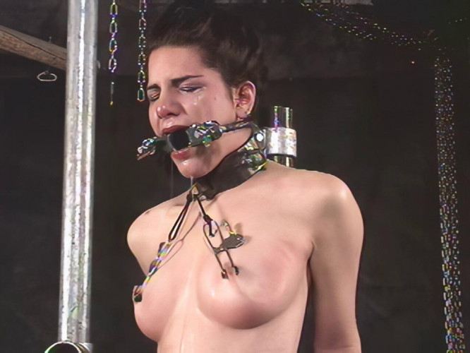 BDSM Insex - Hook & Boot (Live Feed From April 21th, 2001) Raw