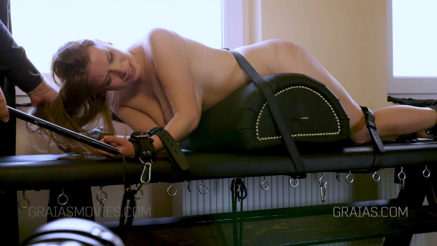 BDSM Sexy Journalist Punished By Maximilian Lomp
