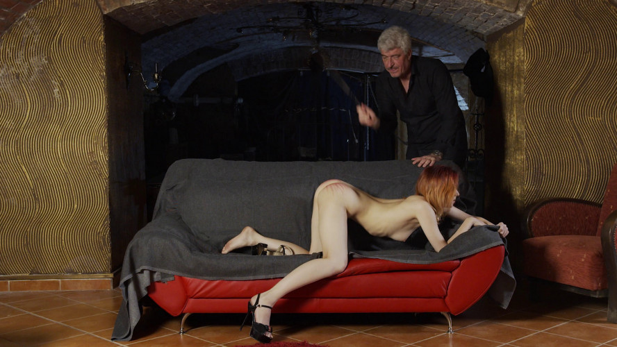 BDSM New Girl - Elin Flame