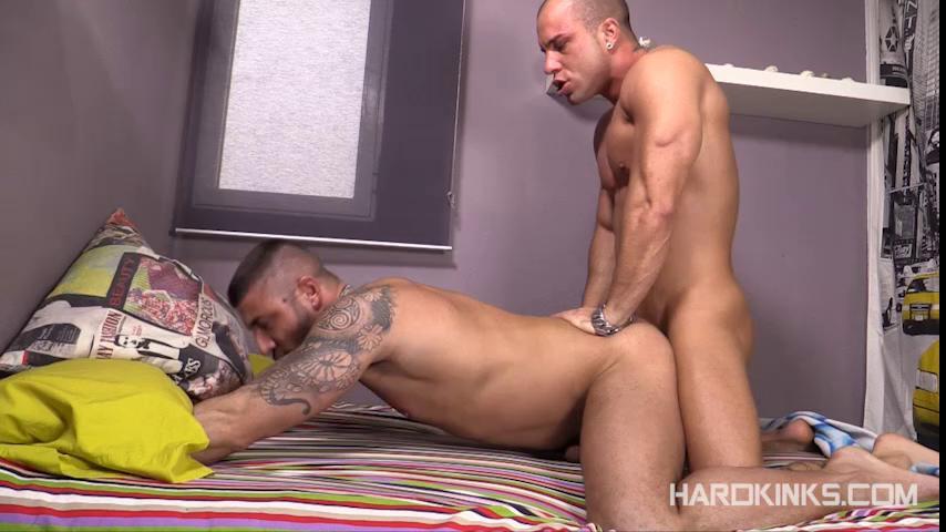 Gay BDSM Fucked By The Str8 (Antonio Aguilera, Max Toro) (480p)