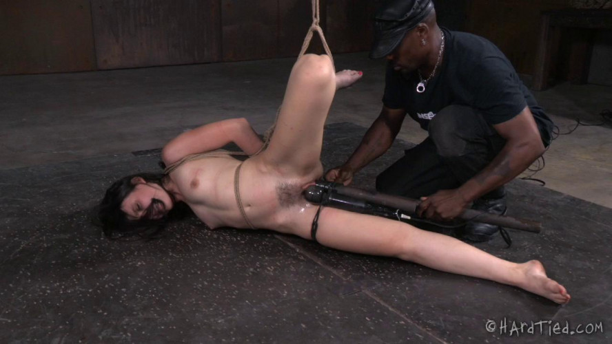 BDSM Amy Likes It Rough
