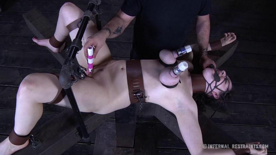 BDSM Dixon Mason - Crucified