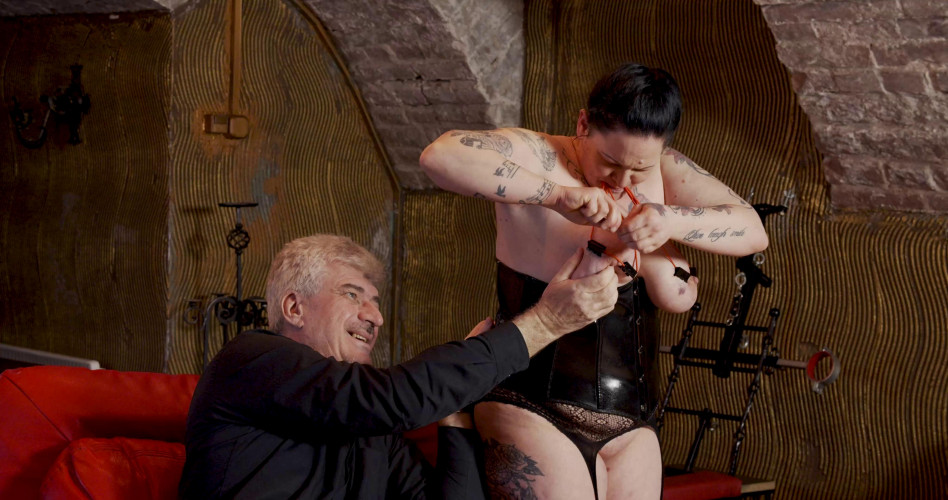 BDSM Curious BDSM Debut