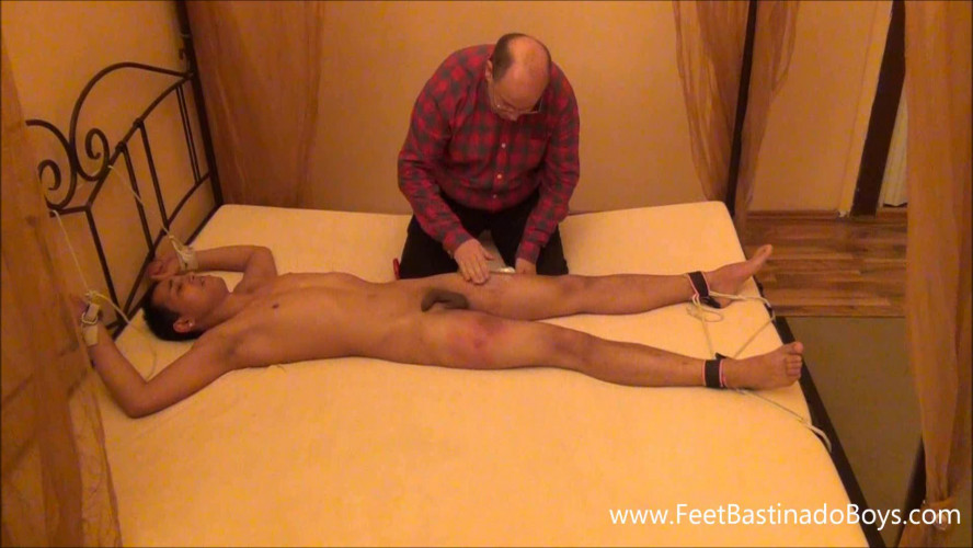 Gay BDSM Pavel Ba. Strapping