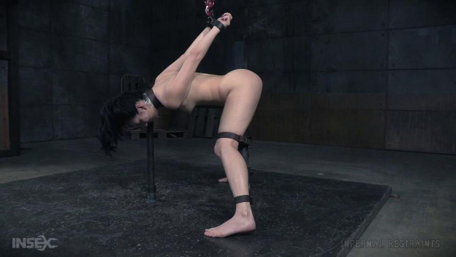 BDSM Make Her Scream