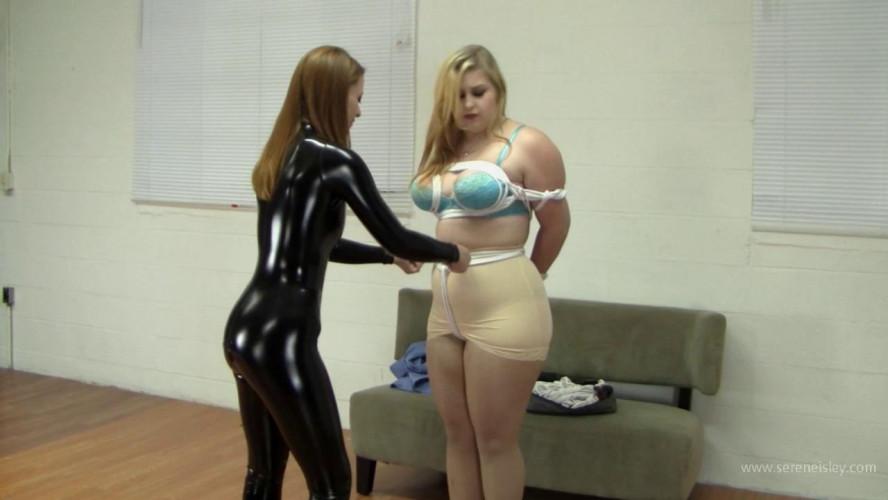 BDSM Latex Jenna Holloway & Serene Isley - Catburglar nabs Jenna