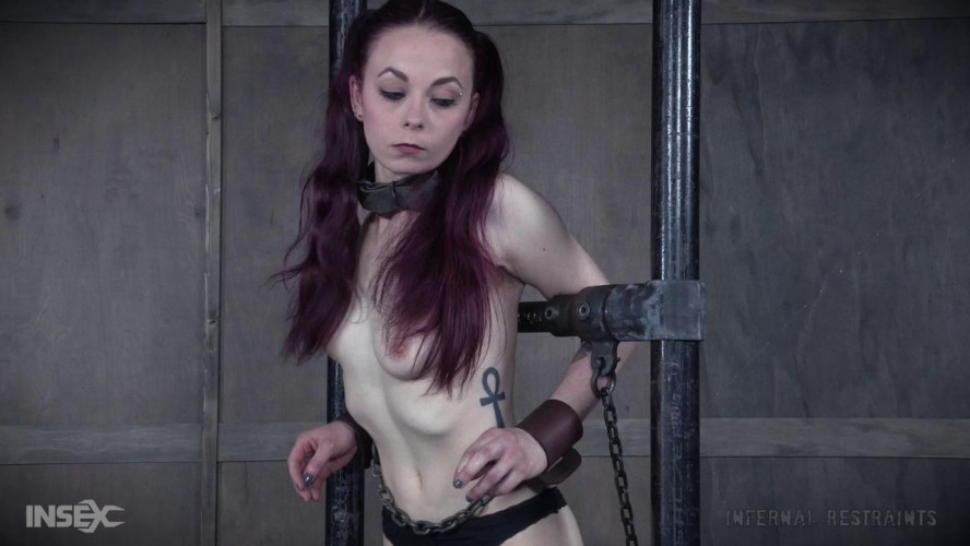 BDSM Ivy Addams Is Made To Smile Pretty