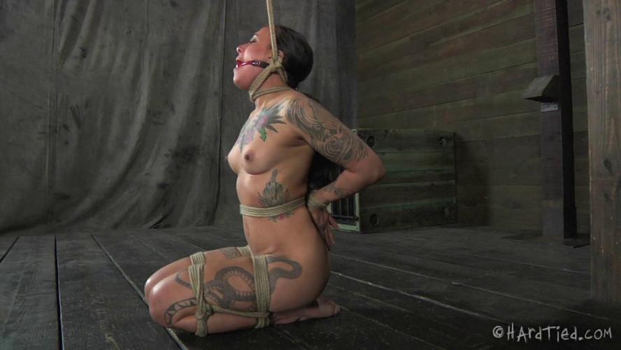 BDSM Tattooed Tramp - Henna Hex, Elise Graves