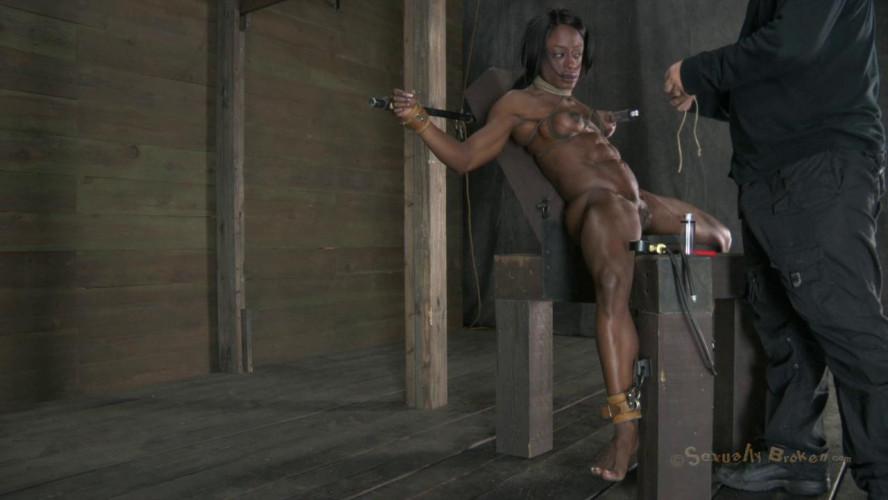 BDSM SexuallyBroken Sexy Nikki Darling squirts her brains out