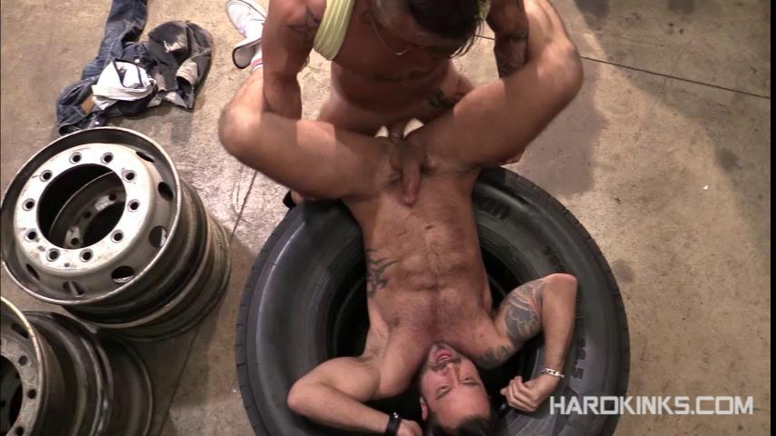 Gay BDSM Road Fuckers (Frank Valencia, Martin Mazza) (480p)