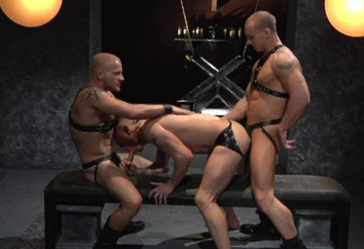 Gay BDSM Exclusive fuck with leather men