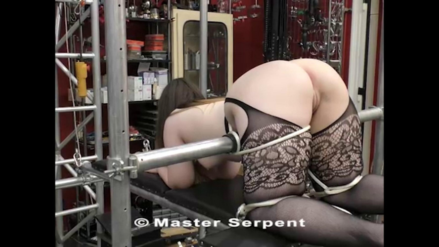 BDSM Beauty Amanda Visiting the Torture Galaxy