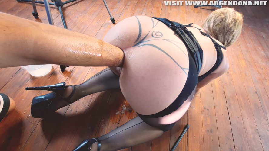 Fisting and Dildo Anal for extreme use