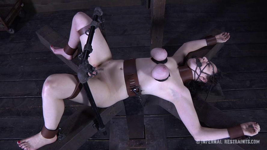 BDSM Dixon Mason - Crucified
