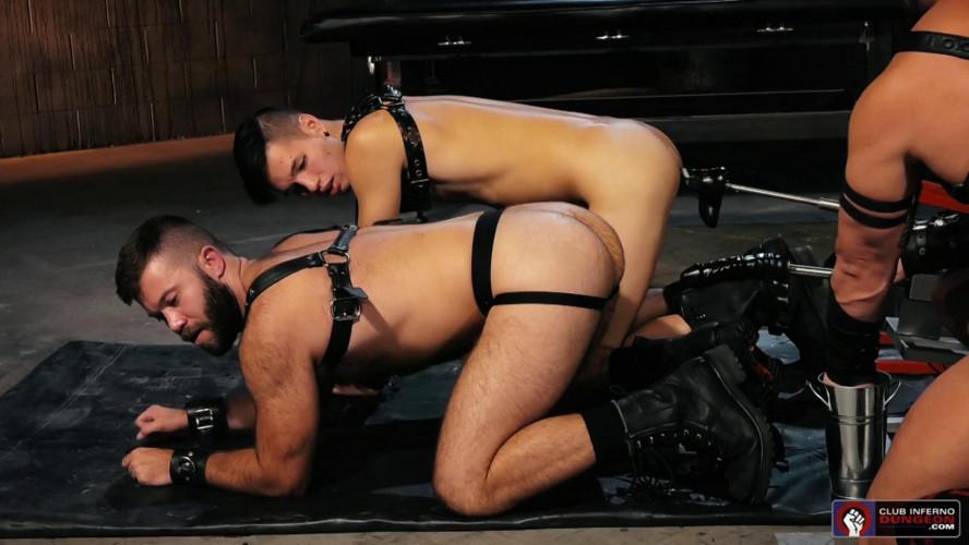 Gay BDSM Axel Abysse and Bruce Bang