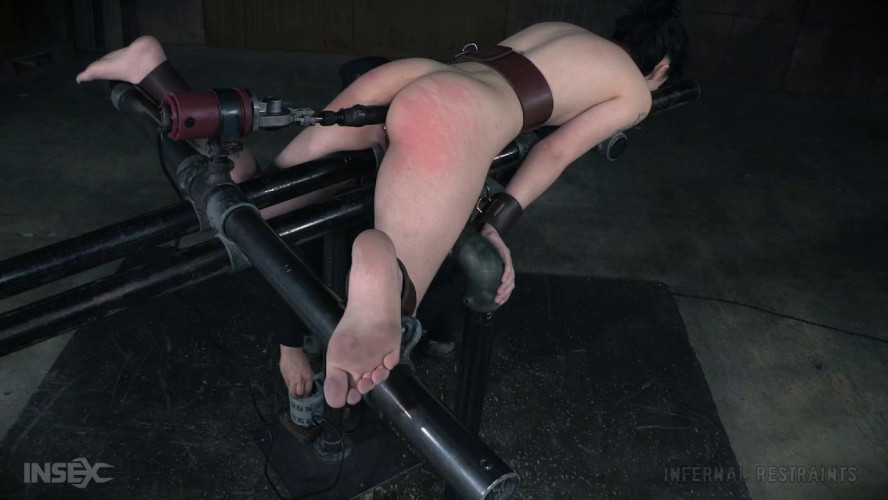 BDSM Charlotte Sartre high