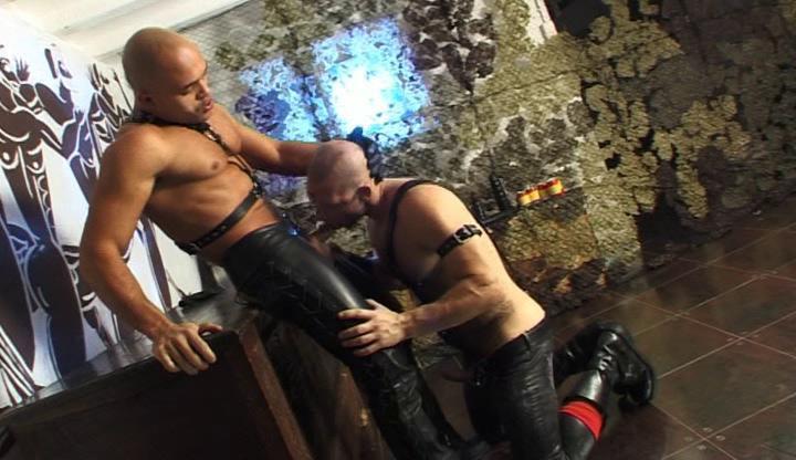 Gay BDSM Hardcore Bondage Fuck With Muscle Men