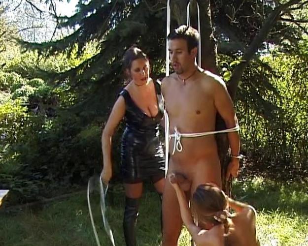 Femdom and Strapon Open-air femdom fun