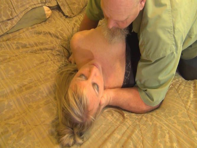 BDSM Shutter bed