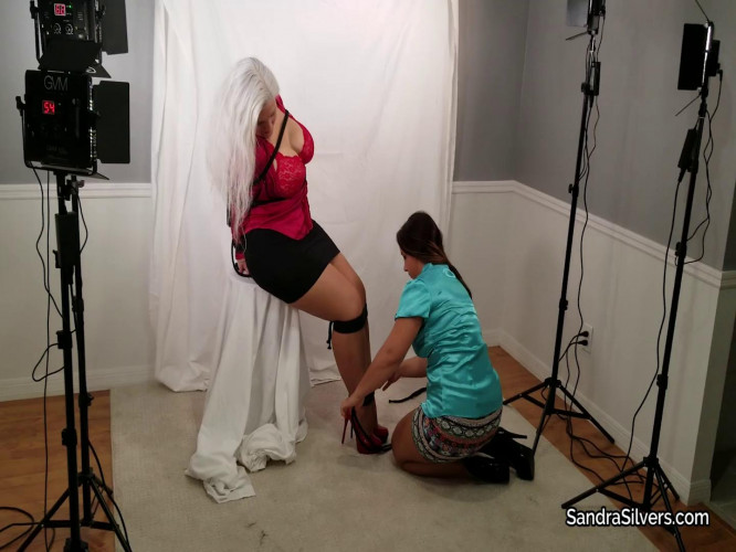 BDSM Pretty, Petite Photographer Poses & Perves over Tied Up MILF