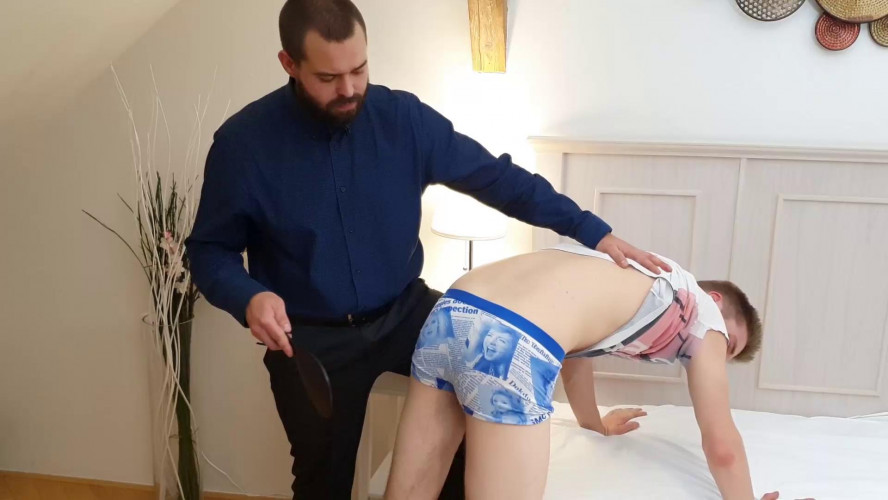 Gay BDSM Jonathan in Trouble