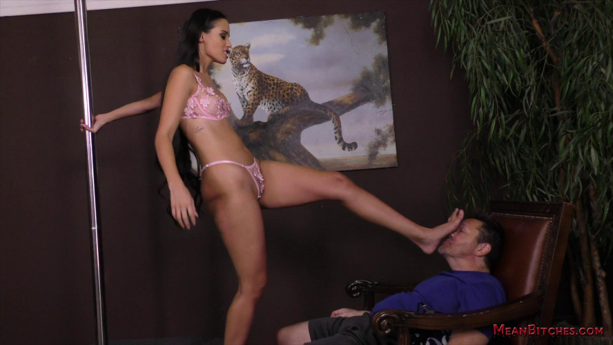 Femdom and Strapon Femdom HD Porn Videos Andreina Deluxe
