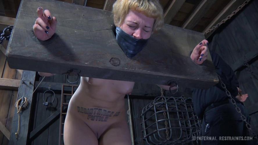 BDSM IR  - Elizabeth Thorn
