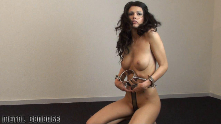 BDSM Hands off training for Yasmine