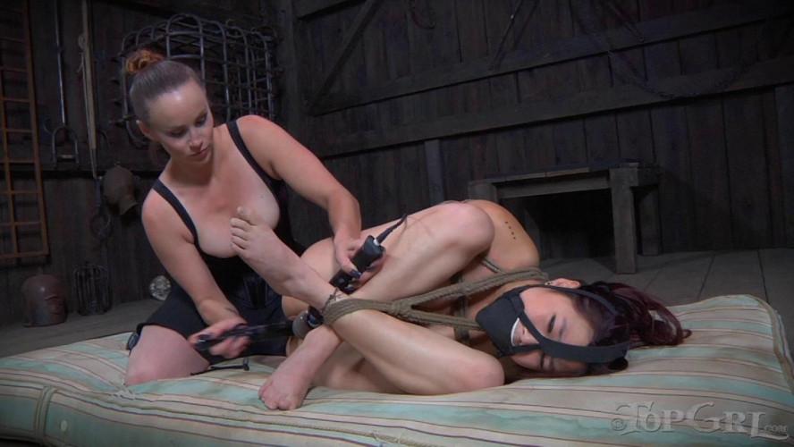 BDSM Lea Hart and Bella Rossi