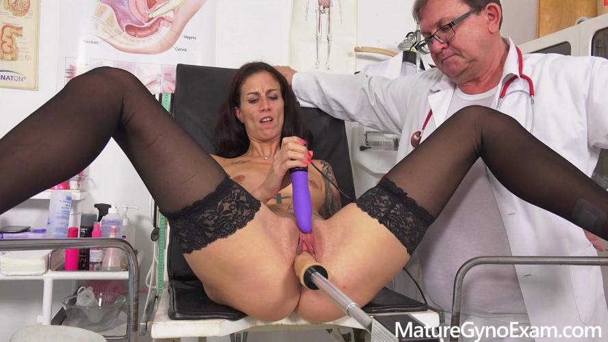 Sex Machines Ali Bordeaux Mature Gyno Exam