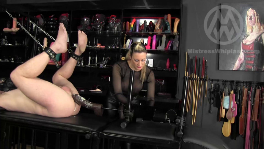 Femdom and Strapon Fucking Machine Huge Ass Drilling!