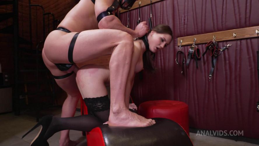 BDSM Dlif punishes little Baby Bamby!