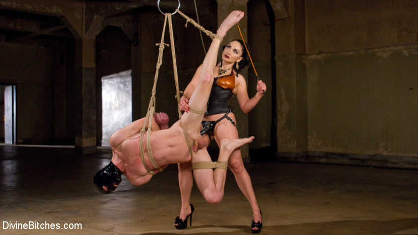 Femdom and Strapon Latex Lea Tortures Rubber Fuck Boy!