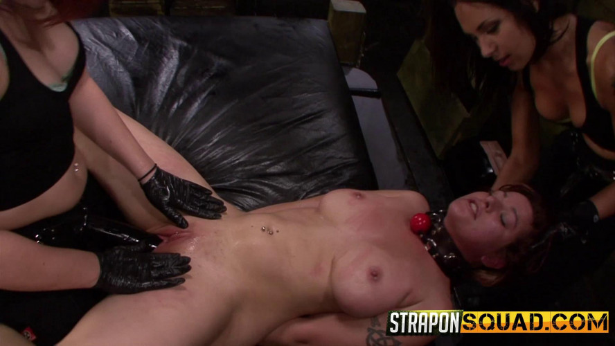 BDSM Alessa Snow, Kimber Woods And Isa Mendez