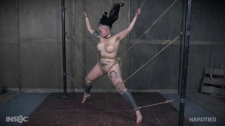 BDSM Lavey tied