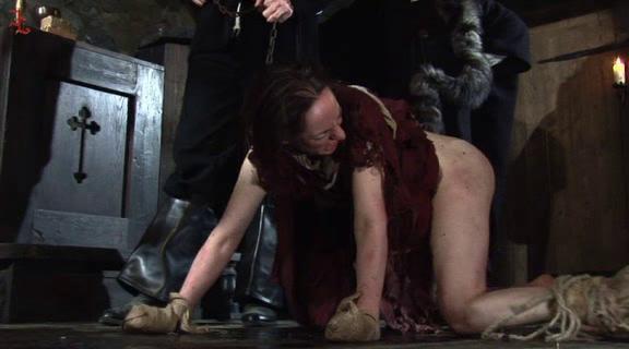 BDSM Interrogatio Die Tierhexe