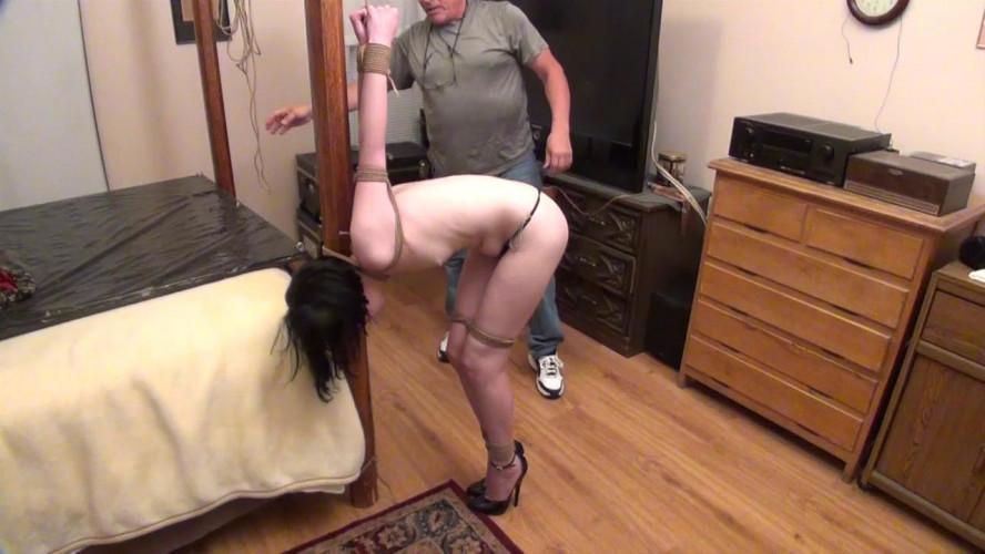 BDSM Evie Cruel Standing Strappado