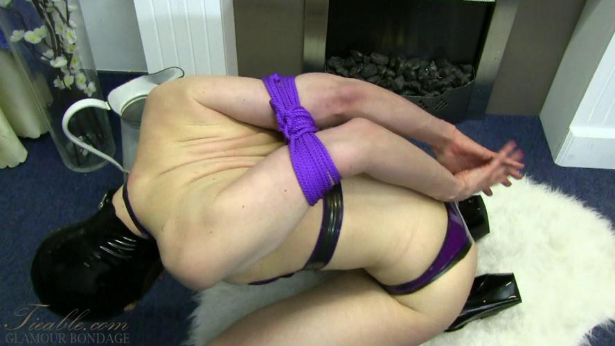 BDSM Latex Dutch Dame - one rope