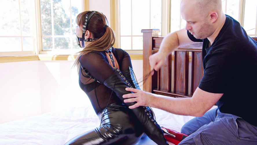 BDSM Latex Mina Enjoys Return Bondage