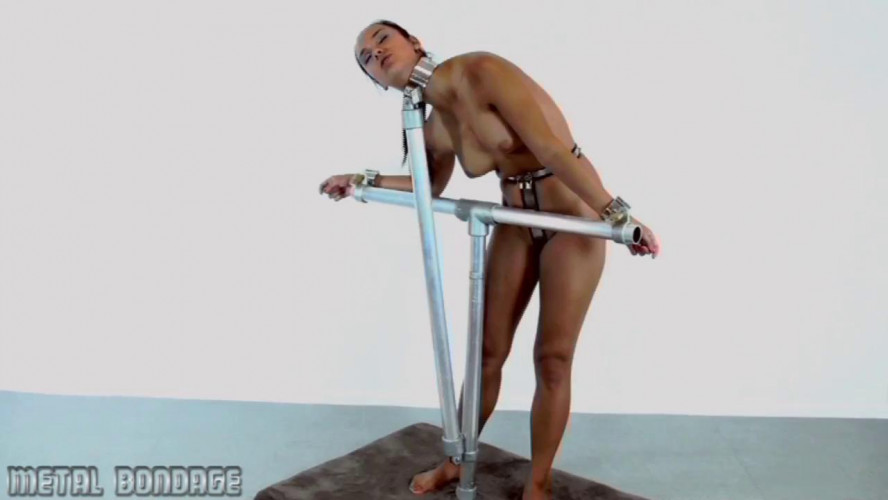BDSM Angry young girl pipe collared