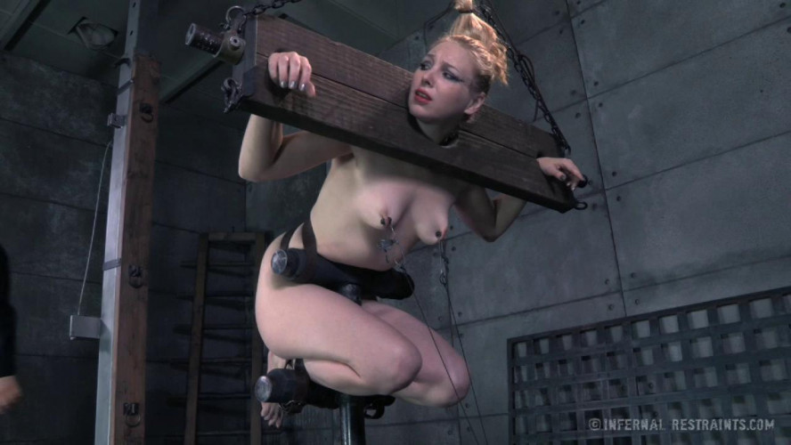 BDSM Delirious Hunter Needs To Feel The Pain