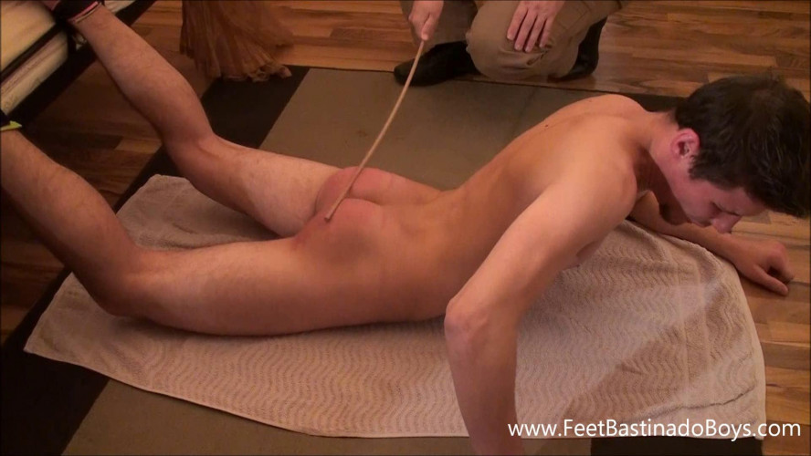 Gay BDSM Lukas Liz. Bastinado