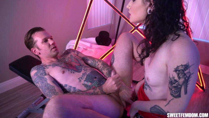 Femdom and Strapon Lydia Black Magician Ass Fucked by Hot Assistant