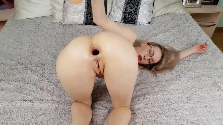 Fisting and Dildo Sirenafox for anal lovers