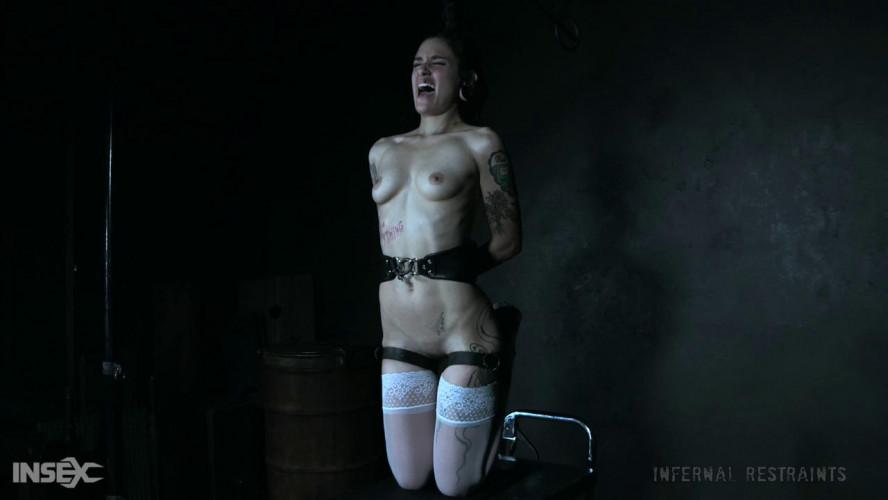 BDSM Luna Lovely is effected by bondage