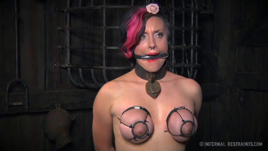 BDSM Iona Grace