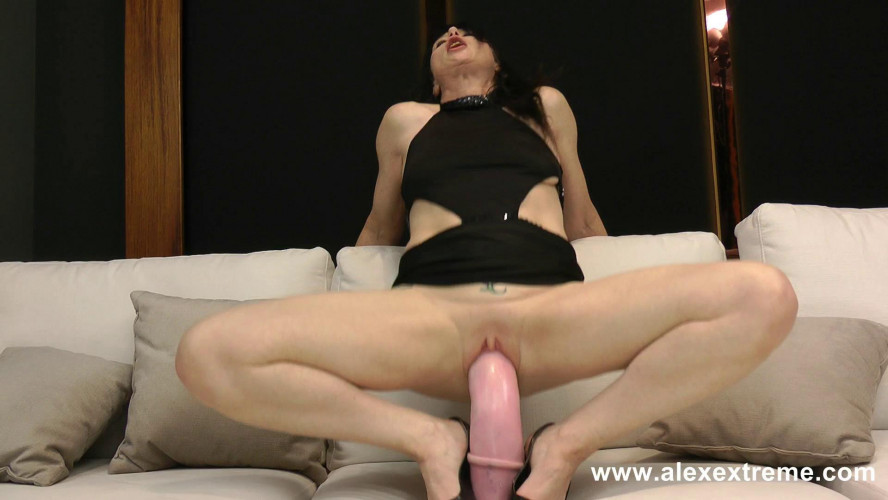 Fisting and Dildo Dirtygardengirl anal fucking hurge horse cock dildo and prolapse