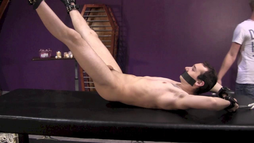 Gay BDSM Submissive Slave Part 4